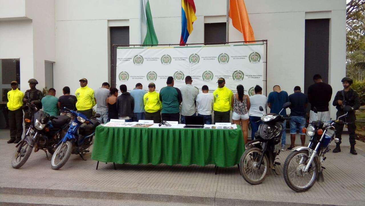 """14 CAPTURADOS DE """"LA EMPRESA"""""""